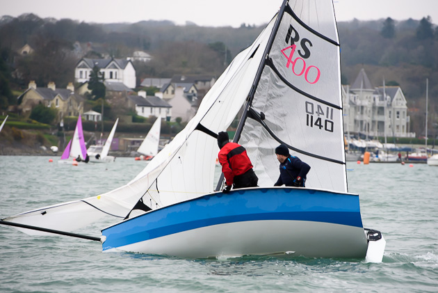 Robbie O'Sullivan gybing his RS400 dinghy. Pic Robert Bateman