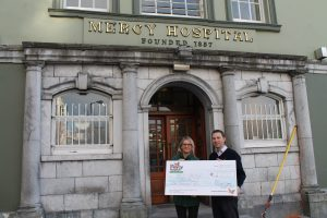 Gavin Deane, General Manager, Royal Cork YC presents a cheque to Deirdre Finn, Campaigns & Community Manager at  the Mercy University Hospital Foundation